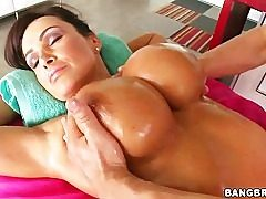 Lisa Ann is getting the scorching and deep rubdown