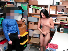 Big-chested ebony thief breezy penalize fucked on CCTV by a cop